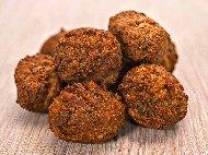 Печени вегетариански кюфтета с нахут, слънчоглед, бадеми и подправки на фурна